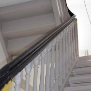 Die Katze trat die Treppe krumm!? Restaurierung von Treppen aus den 1840er Jahren