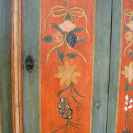 Sag mir wo die Blumen sind? Ein Bauernschrank, datiert 1848