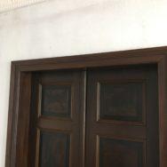 Mehr Schein als Sein! Restaurierung einer seltenen maserierten Tür von 1885