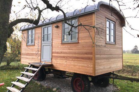 Restaurierung und Rekonstruktion historischer Holzfahrzeuge.